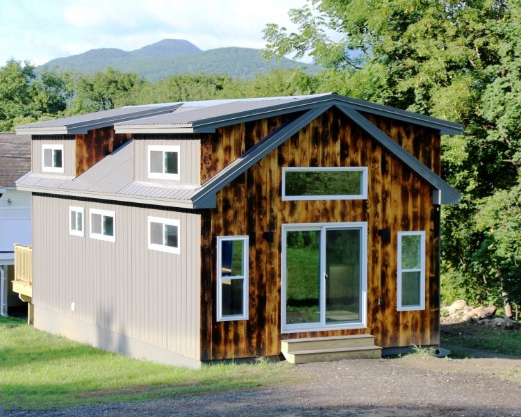 Lorraine Small House, Tiny House